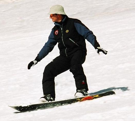 Oli_Snowboarding_3_small.jpg